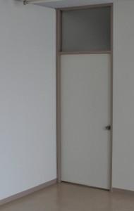 DIY前のドア